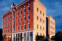 Historic – Glass Addition between Historic Masonry Buildings